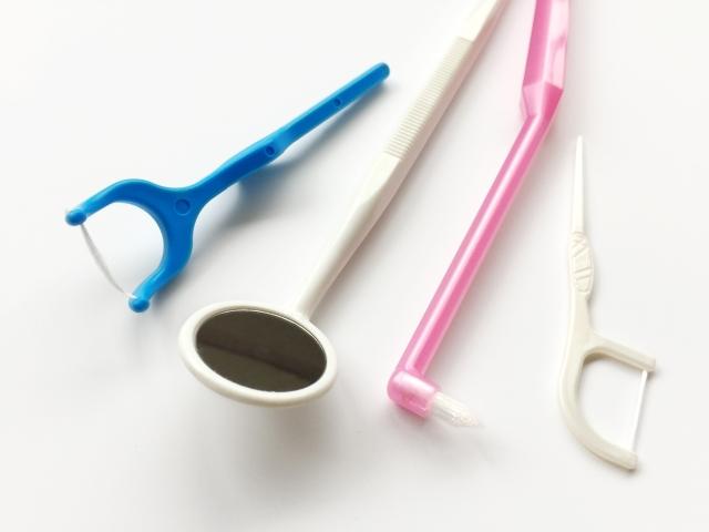 歯間ブラシなど