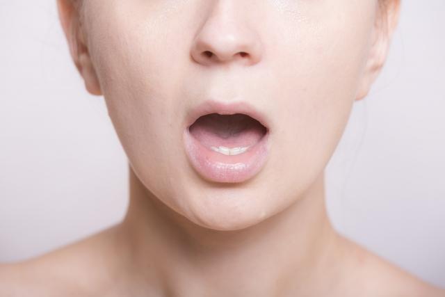 「口呼吸」と歯並びの密接な関係