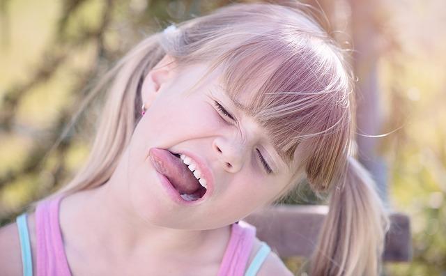 「舌の正しい位置」を守れば健康になれる?舌癖と歯並びの関係