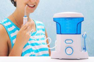 電動歯ブラシや口腔洗浄機などのデンタルケア家電の活用方法と注意点